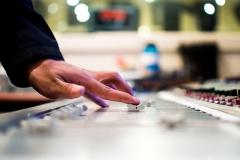 mixing-desk-351478_1280-1
